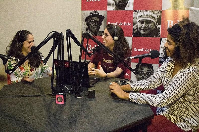 Rádio contará com três mulheres à frente locução