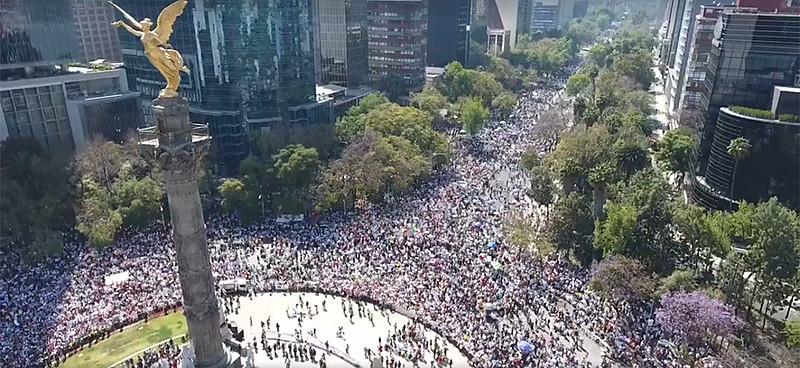 Manifestantes se reuniram na Cidade do México para protestar contra Trump e Peña Nieto