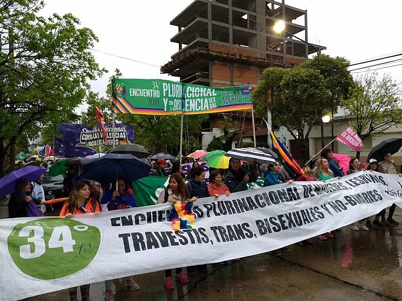 Marcha de abertura do 34º Encontro Plurinacional de Mulheres, que é realizado pelo movimento feminista argentino.