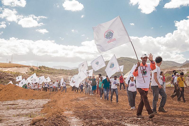 Marcha de atingidos passa por Belo Horizonte, Pompéu, Juatuba, Betim e Brumadinho