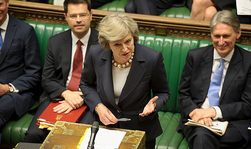 May foi forçada a aceitar a prorrogação do prazo, uma vez que sua proposta para a saída do bloco foi rejeitada