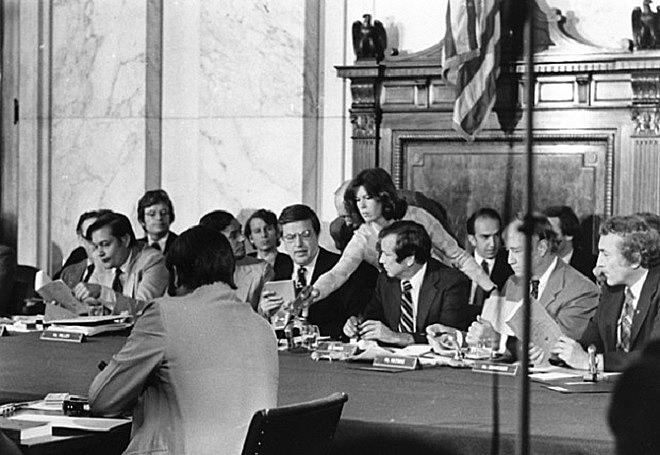 Comité Church, en el Senado de los EEUU, denunció prácticas ilegales de la CIA y del FBI