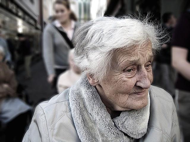 No âmbito doméstico, o problema ocorre também com pessoas que são dependentes de cuidados, explica pesquisador da Fiocruz.