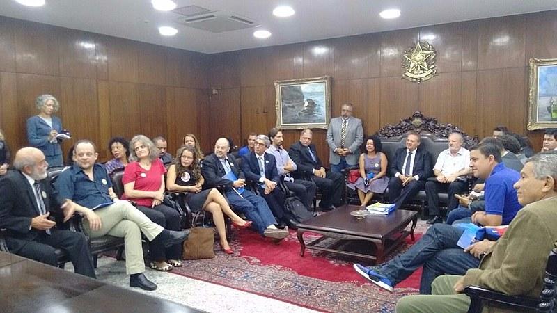 Reunião com presidente do Senado, Renan Calheiros (PMDB-AL)