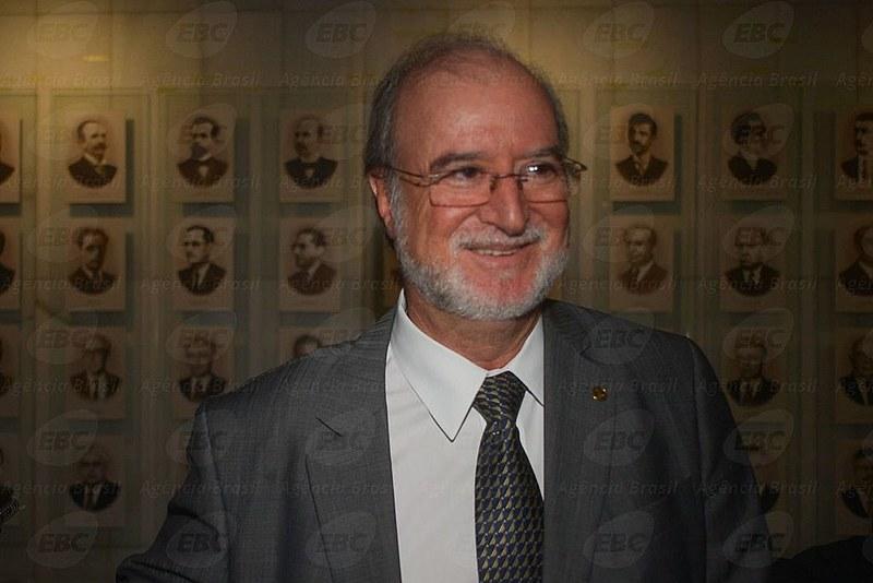 """Eduardo Azeredo, do """"mensalão tucano"""" e da Lista de Furnas, na Câmara dos Deputados em 2014"""