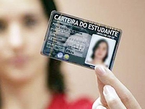 Exigir a feitura da carteira de estudante é colocar o lucro acima do direito.