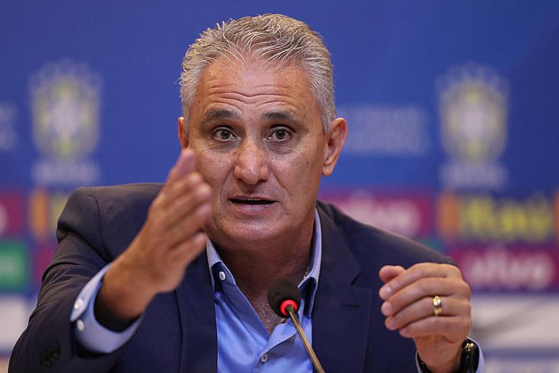 O técnico Tite anuncia a convocação de jogadores para a Copa do Mundo