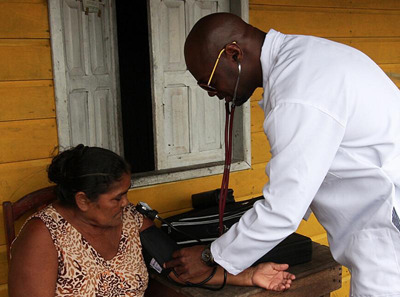 Com a saída de Cuba do Programa Mais Médicos, o Brasil deixa de contar com o apoio de 8 mil profissionais cubanos