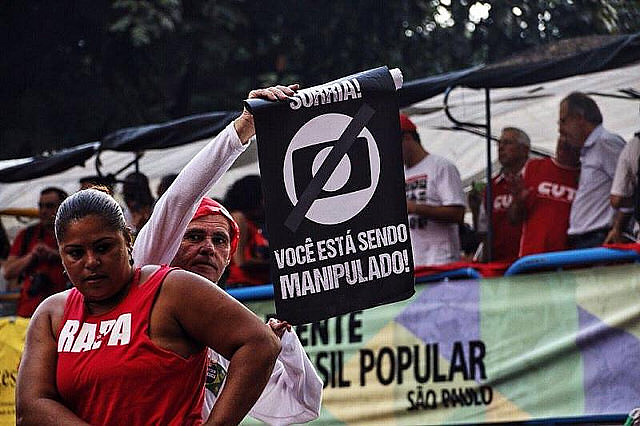 Protesta en São Paulo contra la emisora Red Globo en marzo de este año