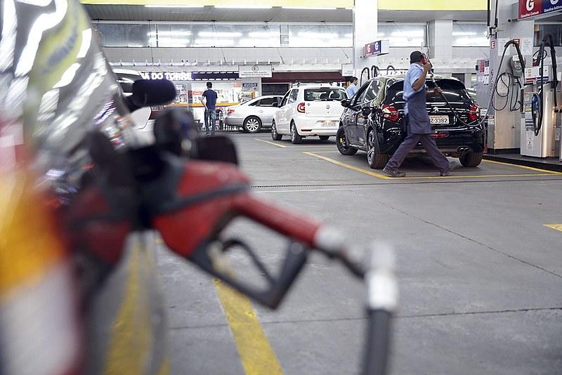 Alta nos preços dos combustíveis gera manifestações