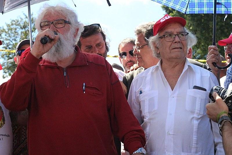 Nobel da Paz Adolfo Pérez Esquivel e teólogo Leonardo Boff participaram do Acampamento Lula Livre e tentaram visitar o ex-presidente