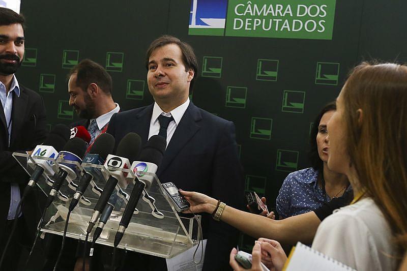O presidente da Câmara dos Deputados, Rodrigo Maia, reune-se com os líderes nesta segunda-feira para conversar sobre as votações em plenário