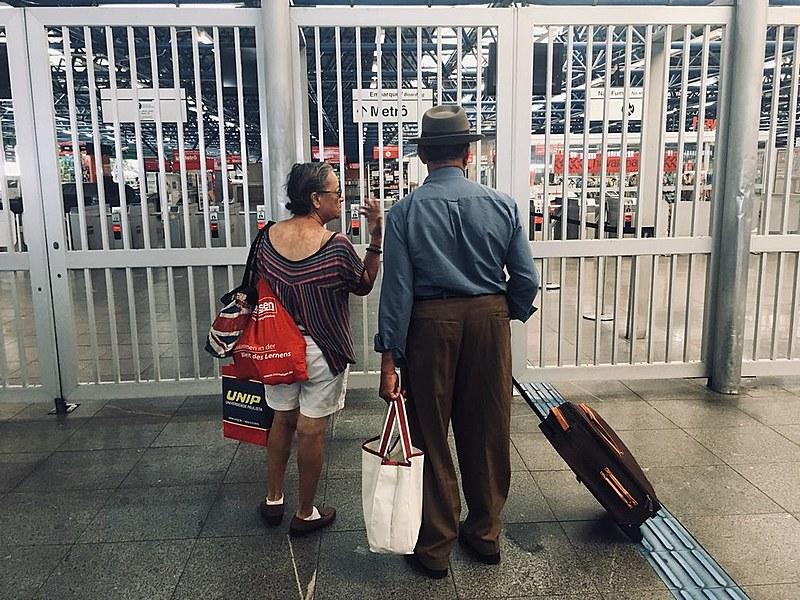 Usuários encontram estação Palmeiras-Barra Funda do Metrô de São Paulo fechada nesta quinta-feira (18)