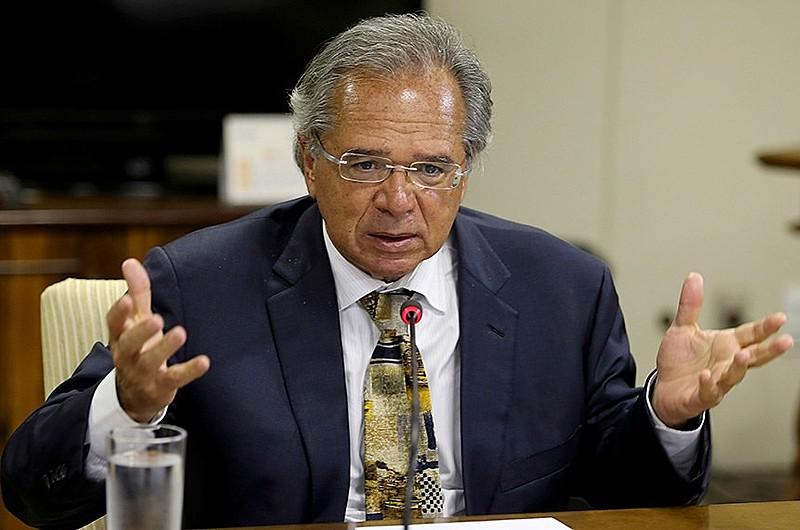 O ministro da Economia, Paulo Guedes, prossegue com a política de desmonte do estado e das garantias constitucionais