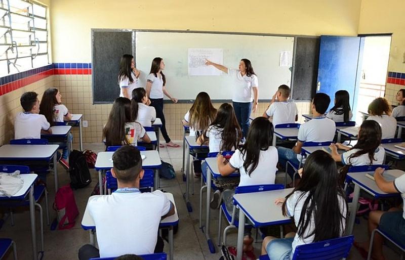 Coronavírus: com 8 casos,   Uma visão popular do Brasil e do mundo