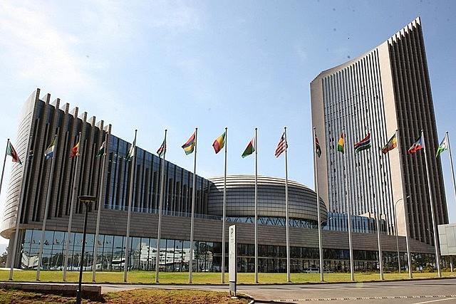 A 31.ª cimeira da UA reúne cerca de 40 chefes de Estado africanos e o presidente francês, Emmanuel Macron.