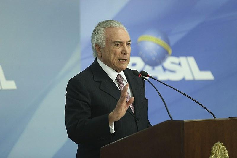 Não há nenhuma mudança que traga benefício para a população brasileira