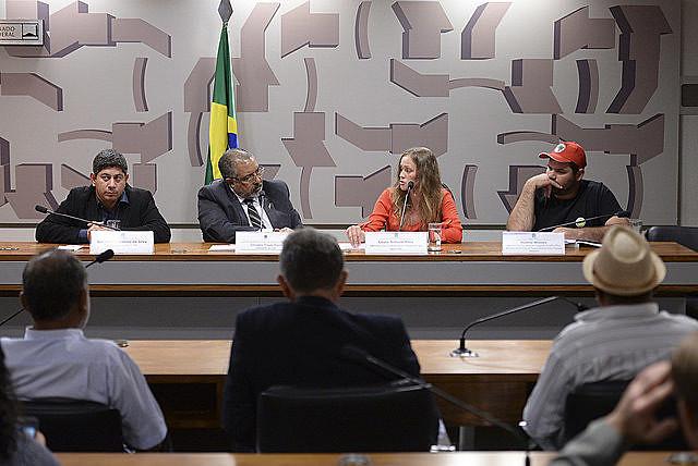 Violencia contra trabajadores del campo en el estado de Paraná fue tema de la audiencia pública