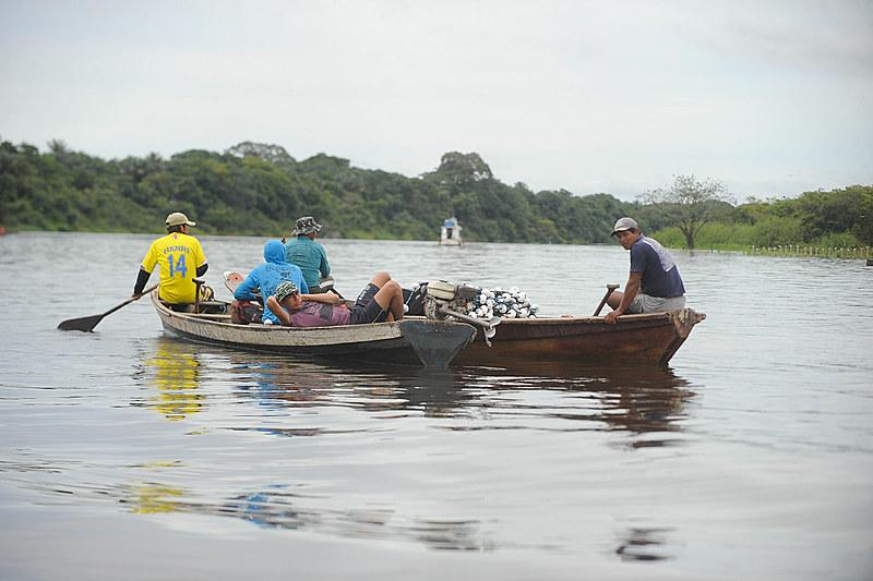 Pesca artesanal é a principal fonte de renda para muitas famílias