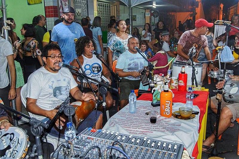 Grupo de Samba Batuque de um Povo comemora três anos de existência