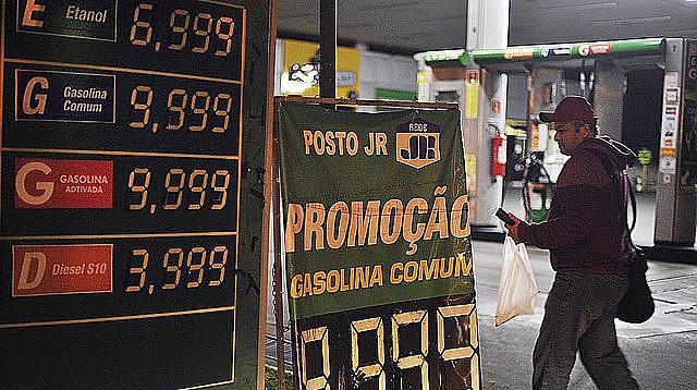 La huelga de los camioneros afectó el abastecimiento gasolineras en todo el país
