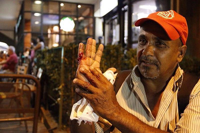 Militante do MTST é atingido por estilhaço de bomba em ato