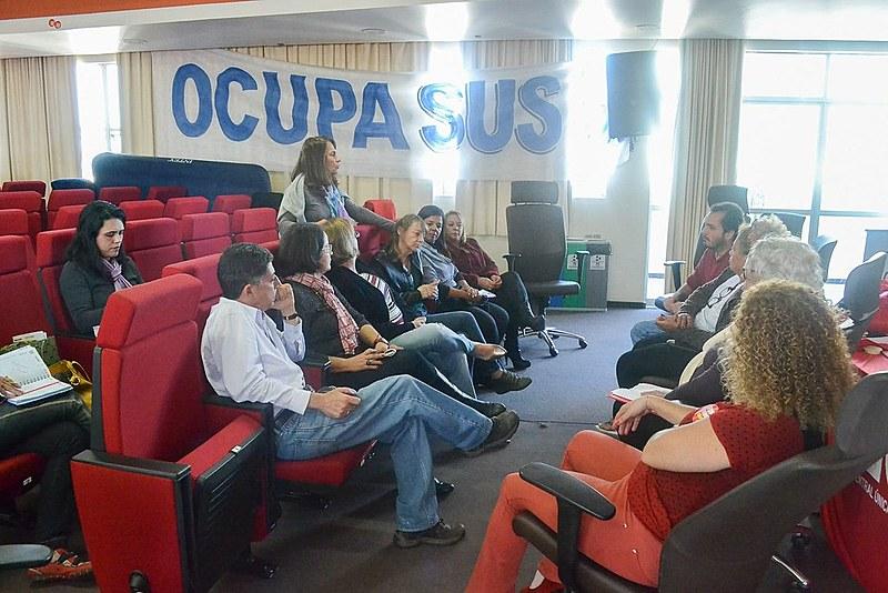 Há uma semana, cerca de 50 pessoas dormem na ocupação