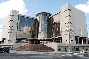 Julgamento acontece no Fórum Criminal da Capital com a oitiva de nove testemunhas.