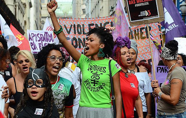 """Mulheres realizaram atos em diversas regiões do Brasil, na última sexta-feira (8), com lema """"Pela vida das mulheres, somos todas Marielle"""""""