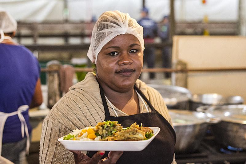 Culinária da Terra, com comidas típicas de 23 estados, está entre as atrações da feira
