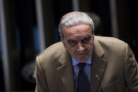 """Luiz Gonzaga Belluzzo afirma que  Brasil está caminando hacia una economía """"de quinta clase"""""""