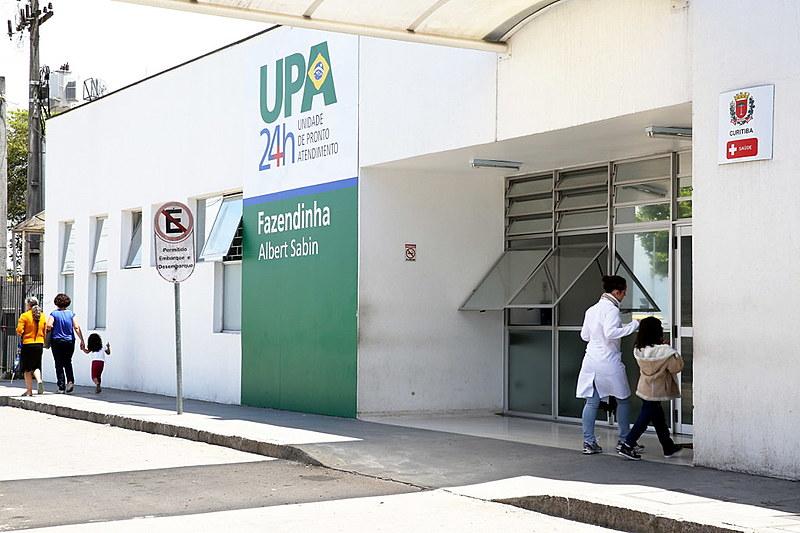 Secretário municipal alega que a saúde pública de Curitiba tem dívida milionária com empresas que fornecem materiais para as UPAs