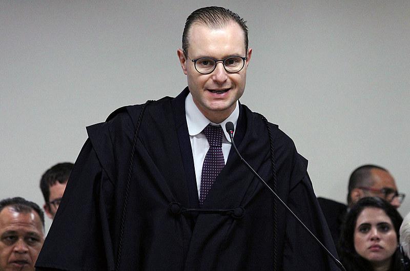 Cristiano Zanin, advogado de defesa de Lula, durante julgamento de recurso no Tribunal Regional Federal da 4ª Região, em janeiro de 2018