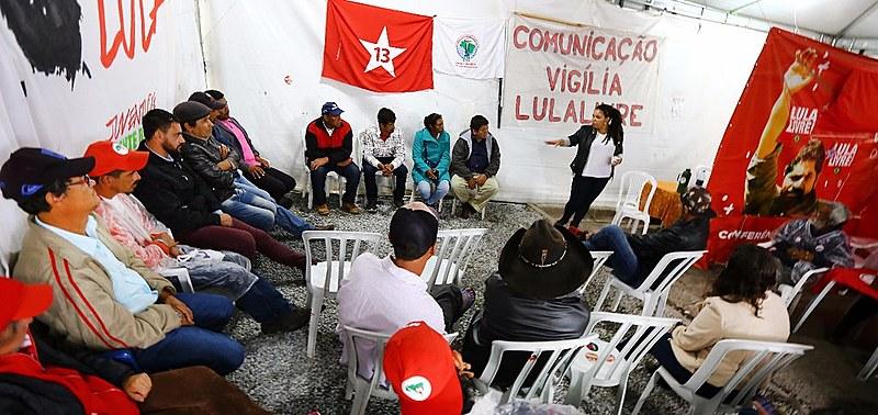 Quilombolas da Comunidade Invernada Paiol de Telha, de Reserva do Iguaçu, participaram de bate-papo sobre racismo institucional