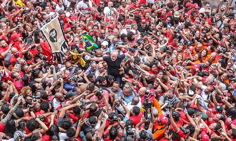Lula continua sendo o maior nome da esquerda brasileira e ninguém conseguiu sequer ameaçar o título na sua ausência