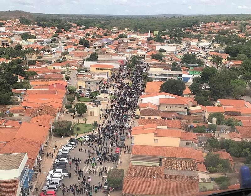 Protesto dos habitantes de Correntina em defesa da preservação dos rios da região