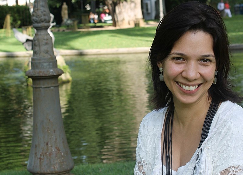 """Maureen Santos coordenou """"Atlas da carne - fatos e números sobre os animais que comemos"""", da Fundação Heinrich Böll"""