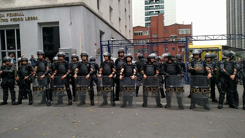 Forte presença policial marcou protesto das frentes Brasil Popular e Povo Sem Medo neste domingo