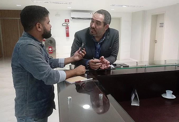 Christian de Castro, ao meu lado, no Fórum de Emissoras Públicas do Nordeste em Fortaleza - CE