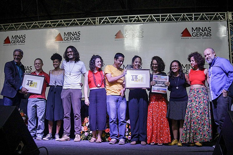 Parte da equipe do Brasil de Fato Minas Gerais recebe prêmio na Serraria Souza Pinto, Centro de BH