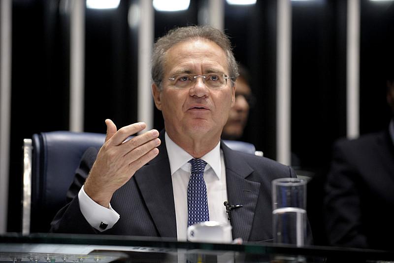 """Renan considerou a decisão do presidente interino da Câmara como """"absolutamente intempestiva"""""""