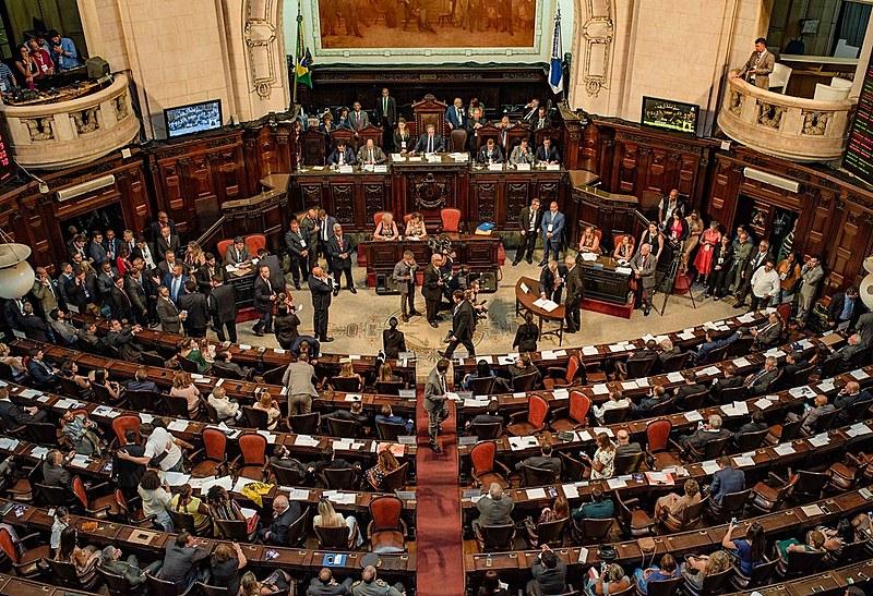 Partido de Bolsonaro na Alerj está fragmentado e sem agenda programática, afirmam deputados da oposição