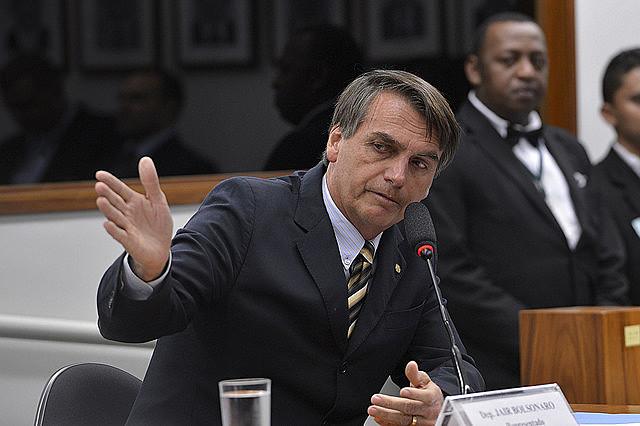 Bolsonaro sabe que por lo menos un tercio de la población brasileña es machista, racista, homofóbica y violenta