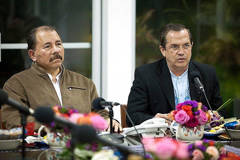 Daniel Ortega (esq.), presidente da Nicaragua, tem enfrentado uma onda de protestos da oposição