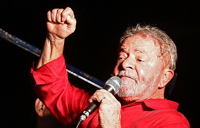 Pointed out as favorite presidential candidate in the opinion polls, Lula has the biggest political capital in the country