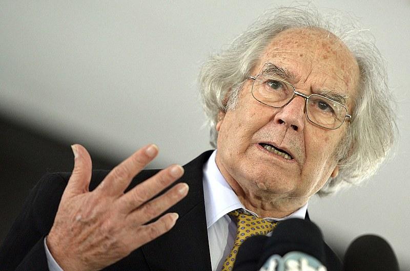 O argentino Adolfo Pérez Esquivel, Prêmio Nobel da Paz