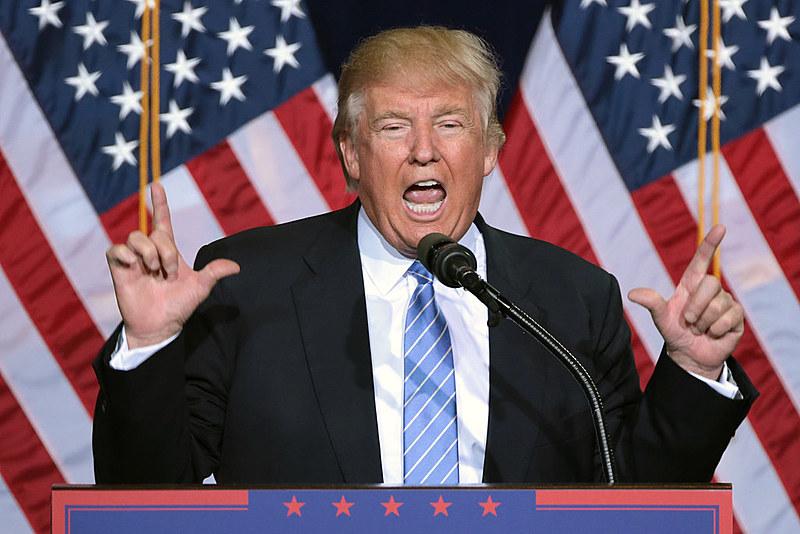 """O texto assinado por Trump declara que é política da administração """"manter a unidade familiar""""."""