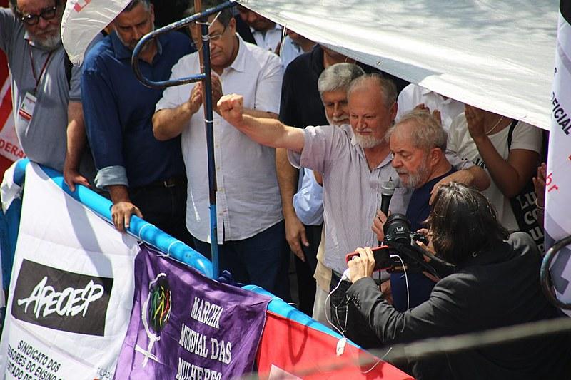 João Pedro Stedile, do MST, esteve com Lula no ato de apoio ao ex-presidente organizado no Sindicato dos Metalúrgicos do ABC