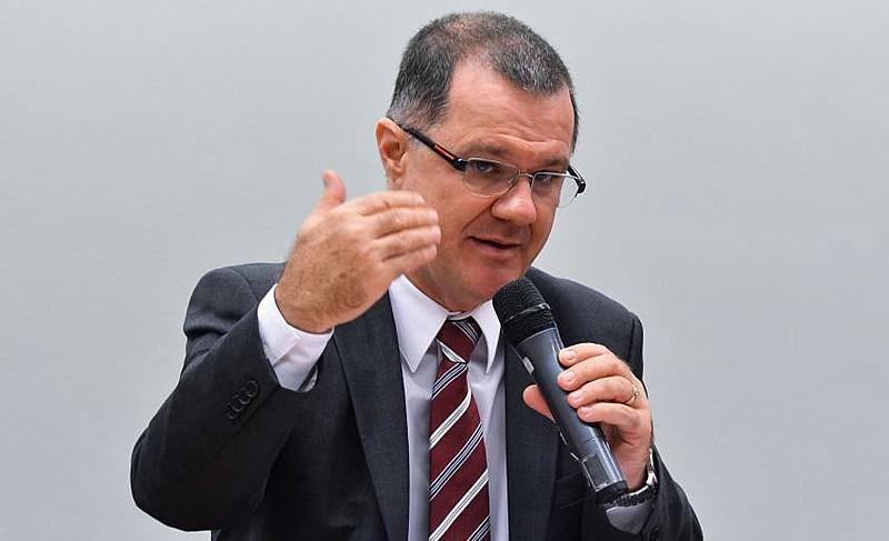 Reforma fiscal é solução para a Previdência, afirma Carlos Gabas