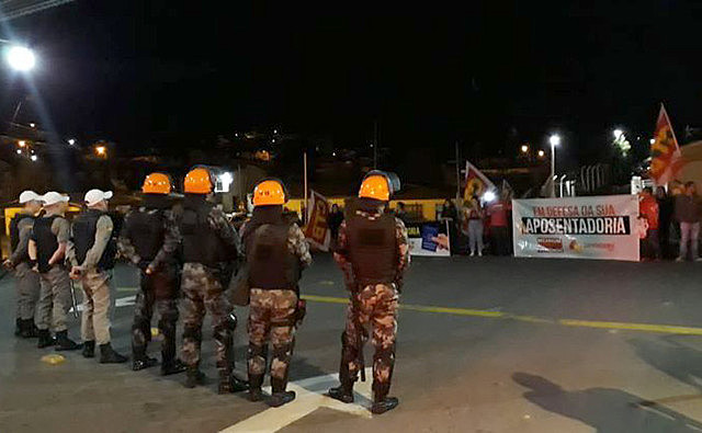 Na Greve Geral do dia 14 de junho, a Tropa de Choque foi acionada em diversas cidades gaúchas